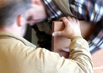 Montaggio pannelli in legno