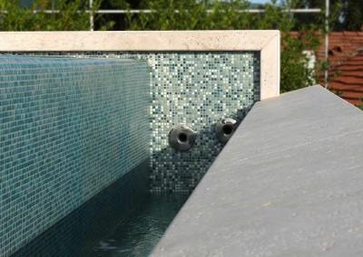 Dettagli della piscina in copertura